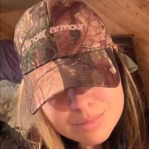 Under armour camo baseball hat